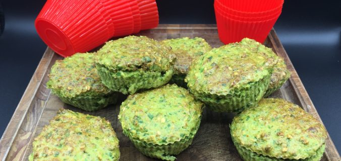 Sunde muffins med blomkål og spinat