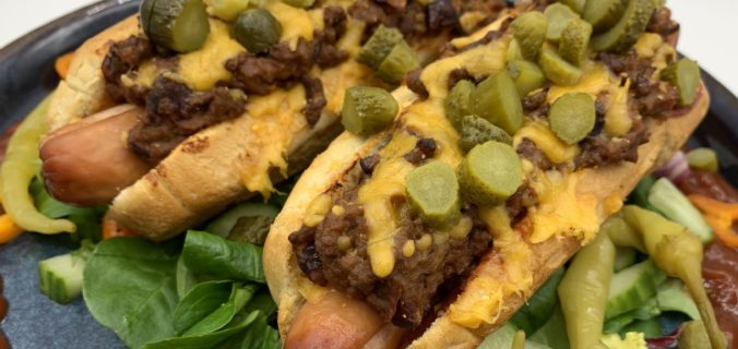Chili con carne dogs