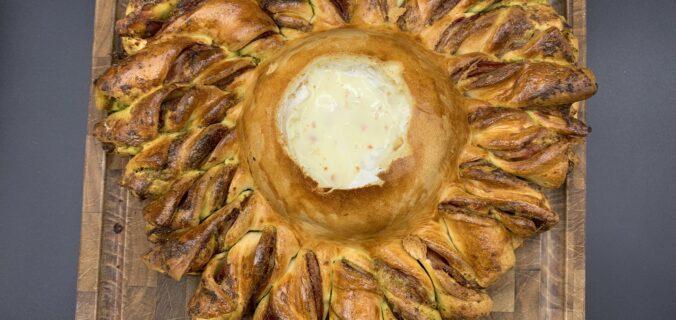Valentine snack – brødstænger med pesto, parmaskinke og camembert dip