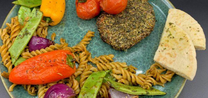 Italiensk inspirerede koteletter med stangbønner, grønt og pasta