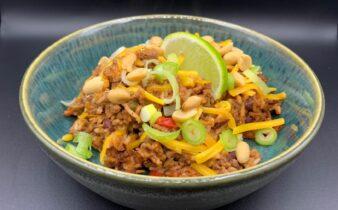 One pot mexicansk risret med kidney bønner, chili og hakket oksekød