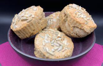 Nemme hurtige grahamsboller i muffinforme – uden æltning og hævning
