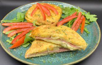 Kartoffel toast med rosmarin, skinke og ost