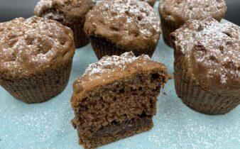 Luftige chokolade muffins med mini skildpadder