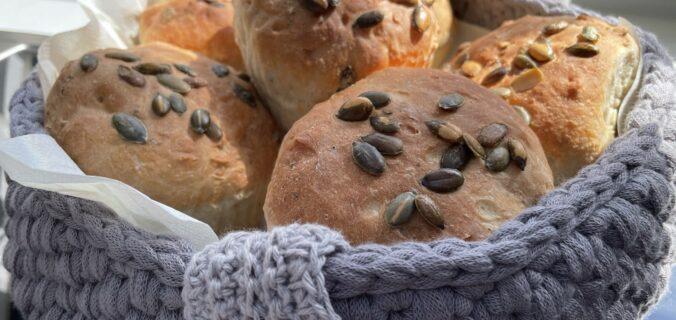 Store græskarstykker i muffin forme